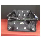 Black & White Petbobi Pet Seat
