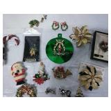 Assorted vintage brooches, necklace, clip on