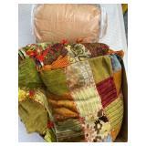 Blankets, Pillows: Queen Size Comforter, Throw
