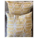 2pc Yellow Pattern Throw Pillow