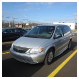 2002 Chrysler Town & Country w/ Wheelchair Lift