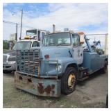 1995 Ford L8000 Wrecker