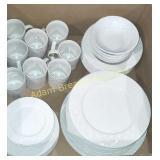 45 pieces Oneida picnic plates, bowls, mugs