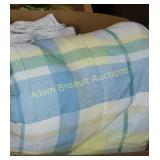 Queen size comforter set