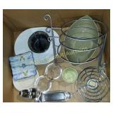 Box lot - assorted kitchenwares