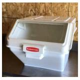 Rubbermaid ice bin, slide top, with ice scoop,