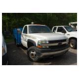 Chevy 3500 w/ tool box