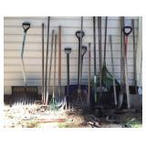 Miscellaneous garden / tools , come a long,