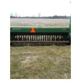 JD 8300 Grain Drill 23 hole Double Disc Hyd. Openers Cyl. and rear Hitch