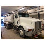 1995 International water truck  N-14 Cummins Eaton 10 speed trans 702,000 miles