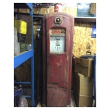 Bennet 1940 gas pump no. 646