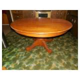 Pedestal Round Oak Dining Table