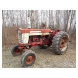 Farmall Model 560 gas Tractor 6 cylinder