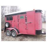 2-horse straight load trailer with drop gate