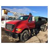 2000 Ford Roll-off Truck