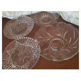 Glass serving trays and bowls (4 in lot)