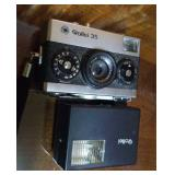 Rollei 35mm with flash and case, E15 B