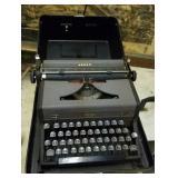 Royal Arrow manual typewriter in case