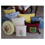 Throw pillows. 9 in.lot