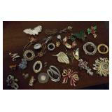 Brooches and lapel pins