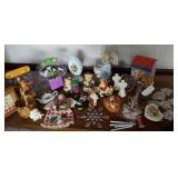 Trinkets, small decor items, figurines