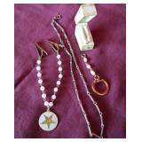 4 Vintage jewelry pieces