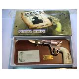 New Jesse James Pistol Knife In Box