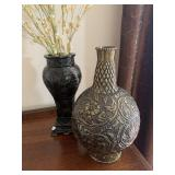 Decorative vases - Round & Metal