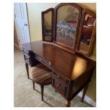 Vanity and stool - vintage
