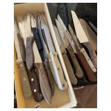 Kitchen knives, knife block & cutting board