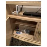 Wii system - Controllers & 2 games