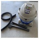 Shop Vac 16 gallon & attachments