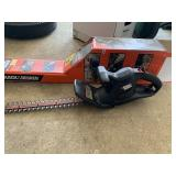 """Black and Decker 16"""" hedge trimmer"""