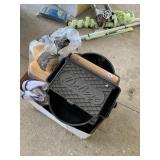 Mop bucket and sponges