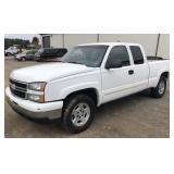 2006 Chevrolet Silverado Pick-Up Truck. 225k mile