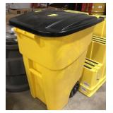Rubbermaid 50gal Commercial Trash Can