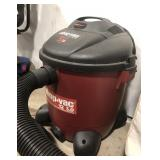 Shop vac five peak horsepower, 12 gallon with