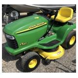 John Deere LT155 Riding Lawn Mower