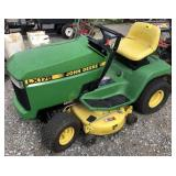 John Deere LX178 Riding Lawn Mower