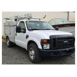Ford F-350 XL Super Duty Service Truck