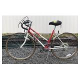 Red and White Quentin Targa Sport Bicycle. Break