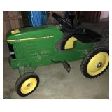 John Deere 7600 Wide Front Pedal Tractor