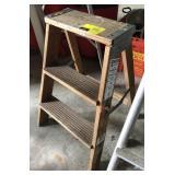 2ft Wood Ladder