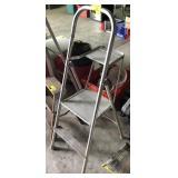 Aluminum Painters Step Ladder