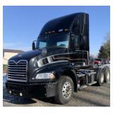 2015 14 Mac Pinnacle Semi Truck