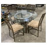 Outdoor Patio Table and 4 Chairs