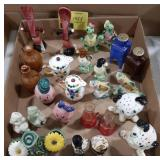 Lot of miscellaneous salt and pepper shakers,
