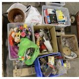 Pallet Includes Books, Misc Kitchen Items,