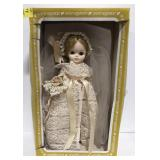 """Collectible vtg Effanbee 19"""" plastic Bride doll"""