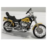 1/18 Scale Harley Davidson Dyna Wide Glide
